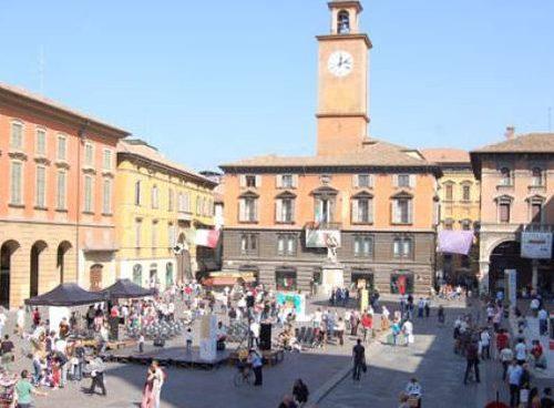 Visita Reggio nell'Emilia con pranzo di Natale domenica 15 dicembre 2019